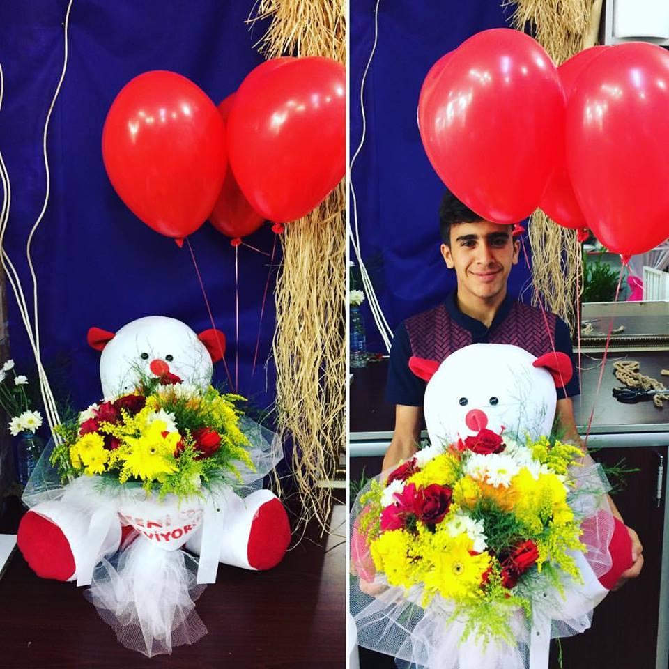 Peluş Ayıcıklı Çiçek ve  Uçan balon