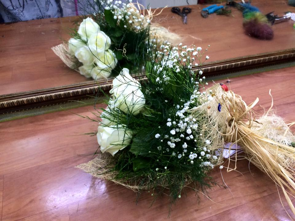 Beyaz Güllü Gelin El Çiçeği